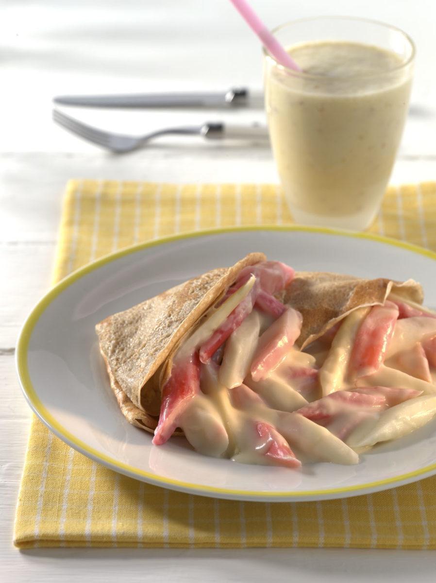 vollkornpfannkuchen mit rhabarber und spargel