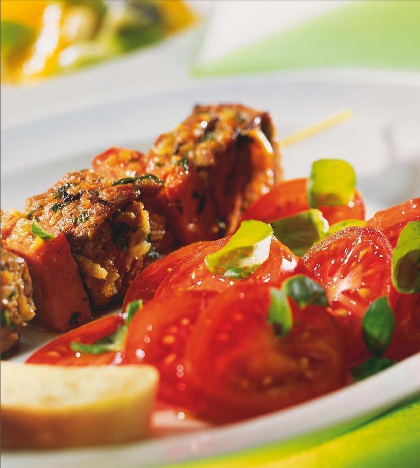 Fleischspieße mit Salat - BCM Diät Rezepte.at