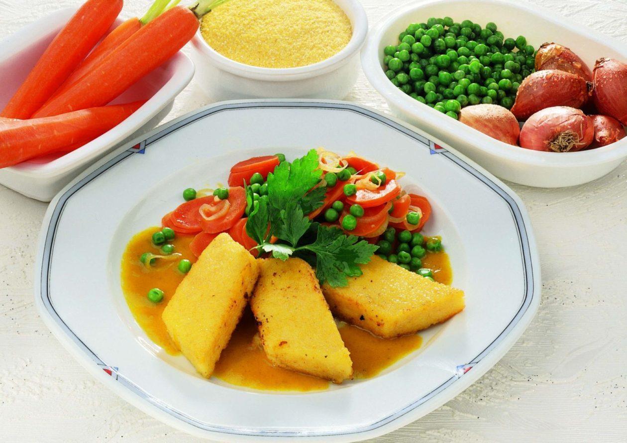 Polenta mit Karottencurry - BCM Diät Rezepte.at