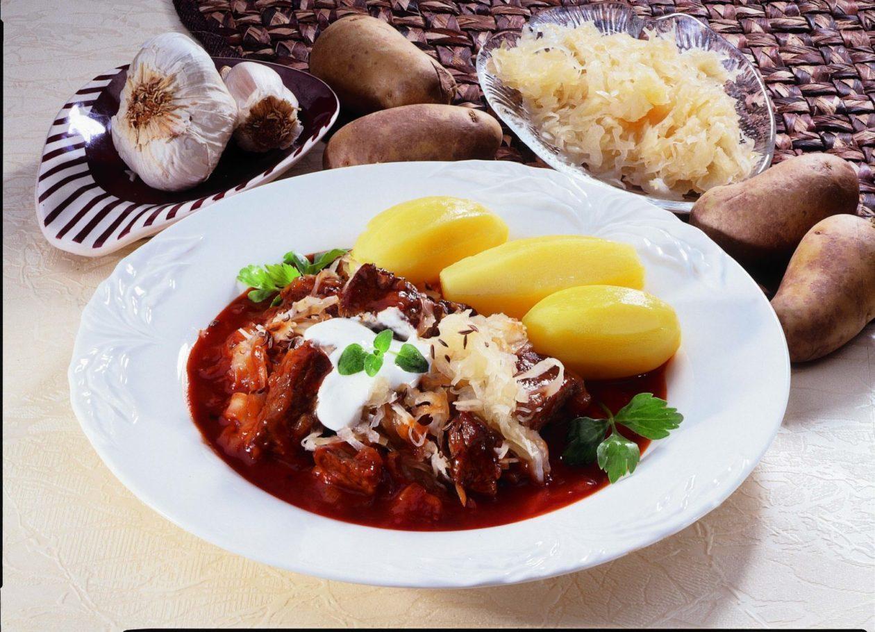 Szegediner Gulasch - BCM Diät Rezepte.at