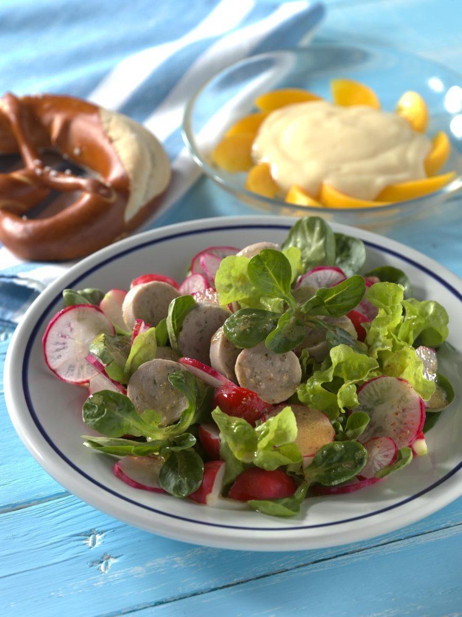 Weißwurstsalat mit Brezeln - BCM Diät Rezepte.at