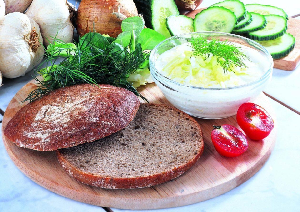 Zaziki auf Fladenbrot - BCM Diät Rezepte.at