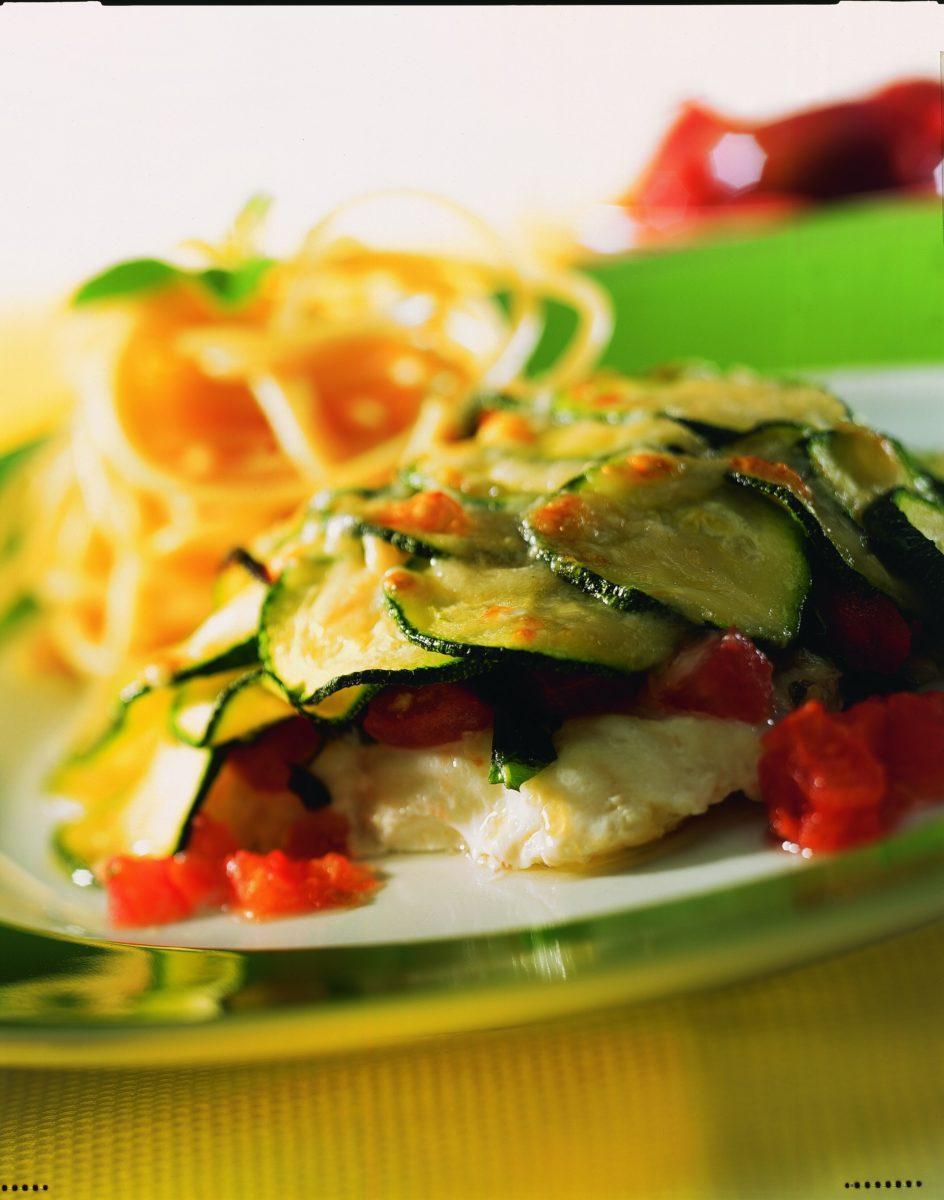 Dorschfilet mit Tomaten und Zucchini - BCM Diät Rezepte.at