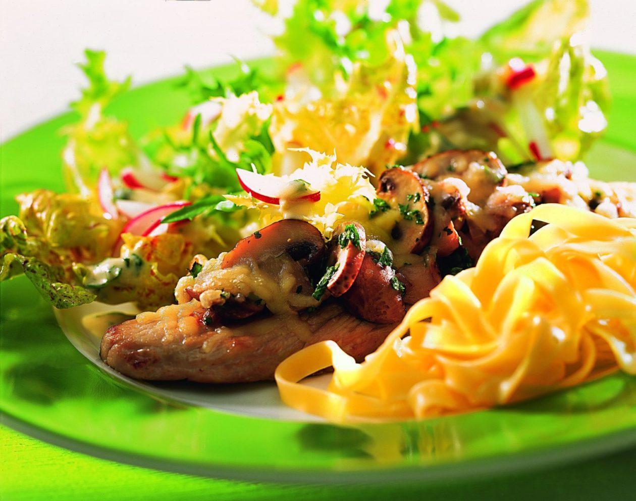 Gratinierte Champignonschnitzel - BCM Diät Rezepte.at