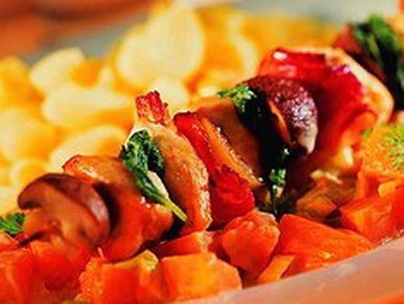 Hähnchenspieße mit Kürbisgemüse - BCM Diät Rezepte.at
