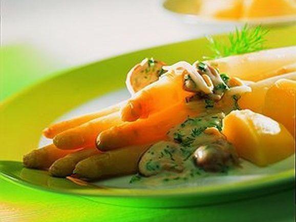 Spargel mit Pilz-Sprossen-Ragout - BCM Diät Rezepte.at