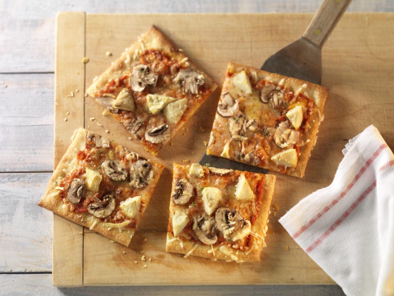 Vegetarische Pizza mit Artischocken und Champignons - BCM Diät Rezepte.at