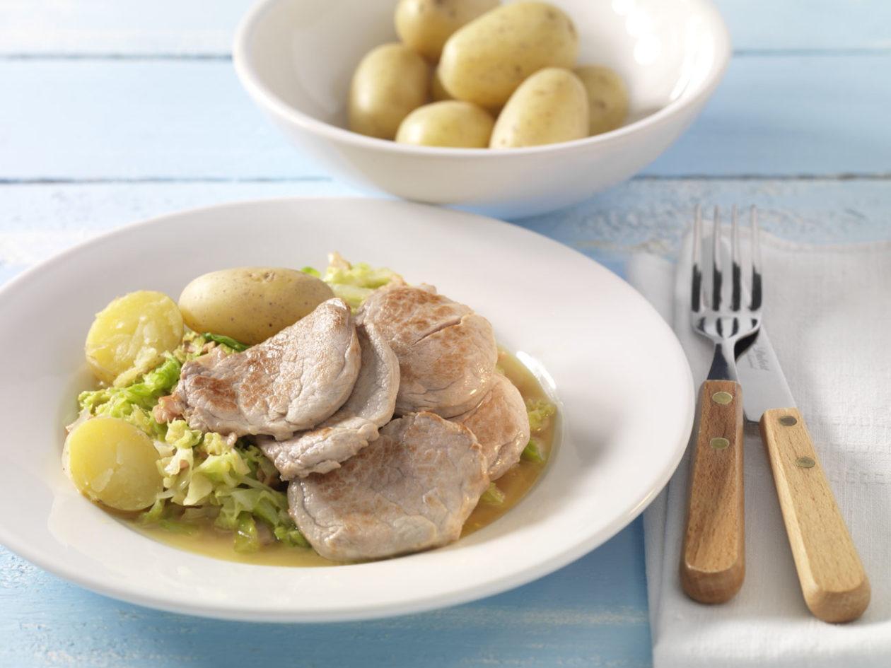 Schweinefilet mit Wirsing und Schinkenwürfeln - BCM Diät Rezepte.at