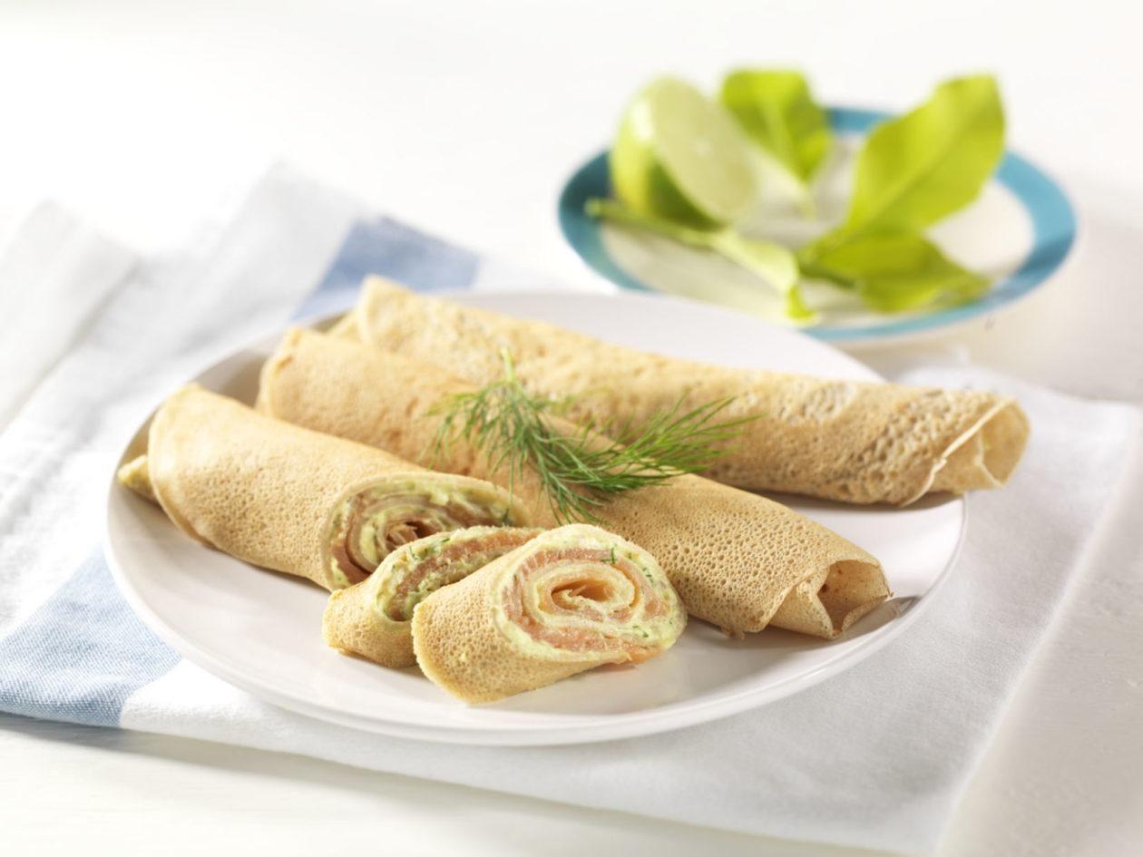 Buchweizenpfannkuchen mit Avocado-Lachs-Füllung - BCM Diät Rezepte.at