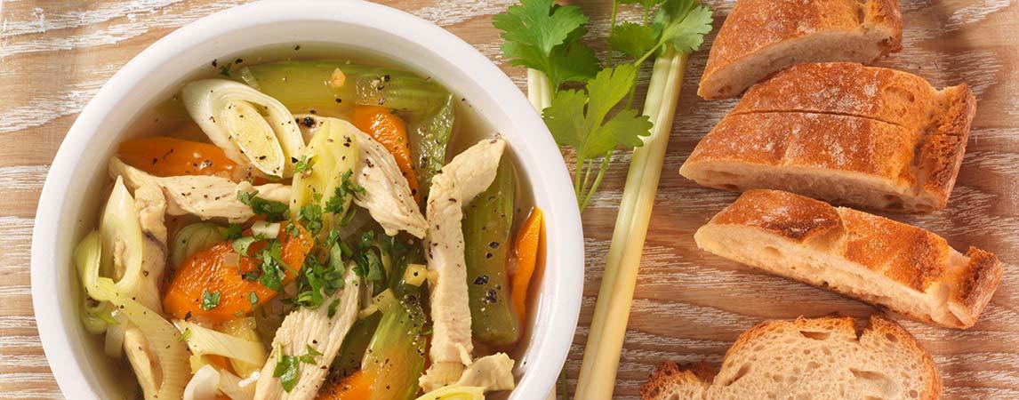 Gemüsefeines Hühnersüppchen mit Zitronengras - BCM Diät Rezepte.at